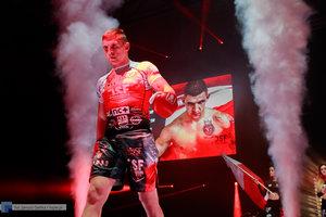 Kickboxingowa rywalizacja na najwyższym poziomie - 122 zdjęcie w galerii.