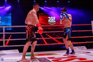 Kickboxingowa rywalizacja na najwyższym poziomie - 180 zdjęcie w galerii.